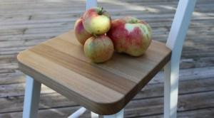 Stol med äpplen