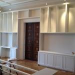 Bokhylla med plats för TV och kontor