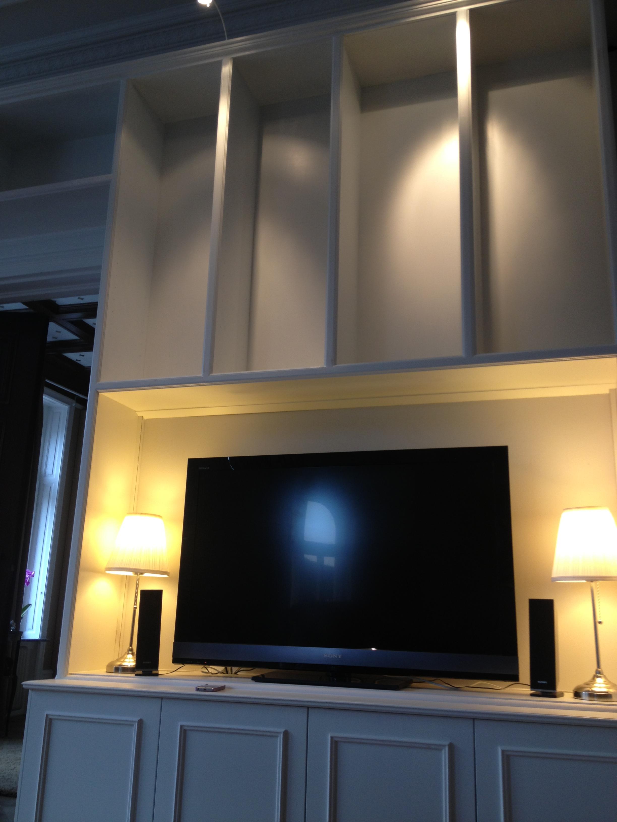 Bokhylla u2013 från skiss till färdig hylla med plats för TV och kontor F24 Inredning och Design AB